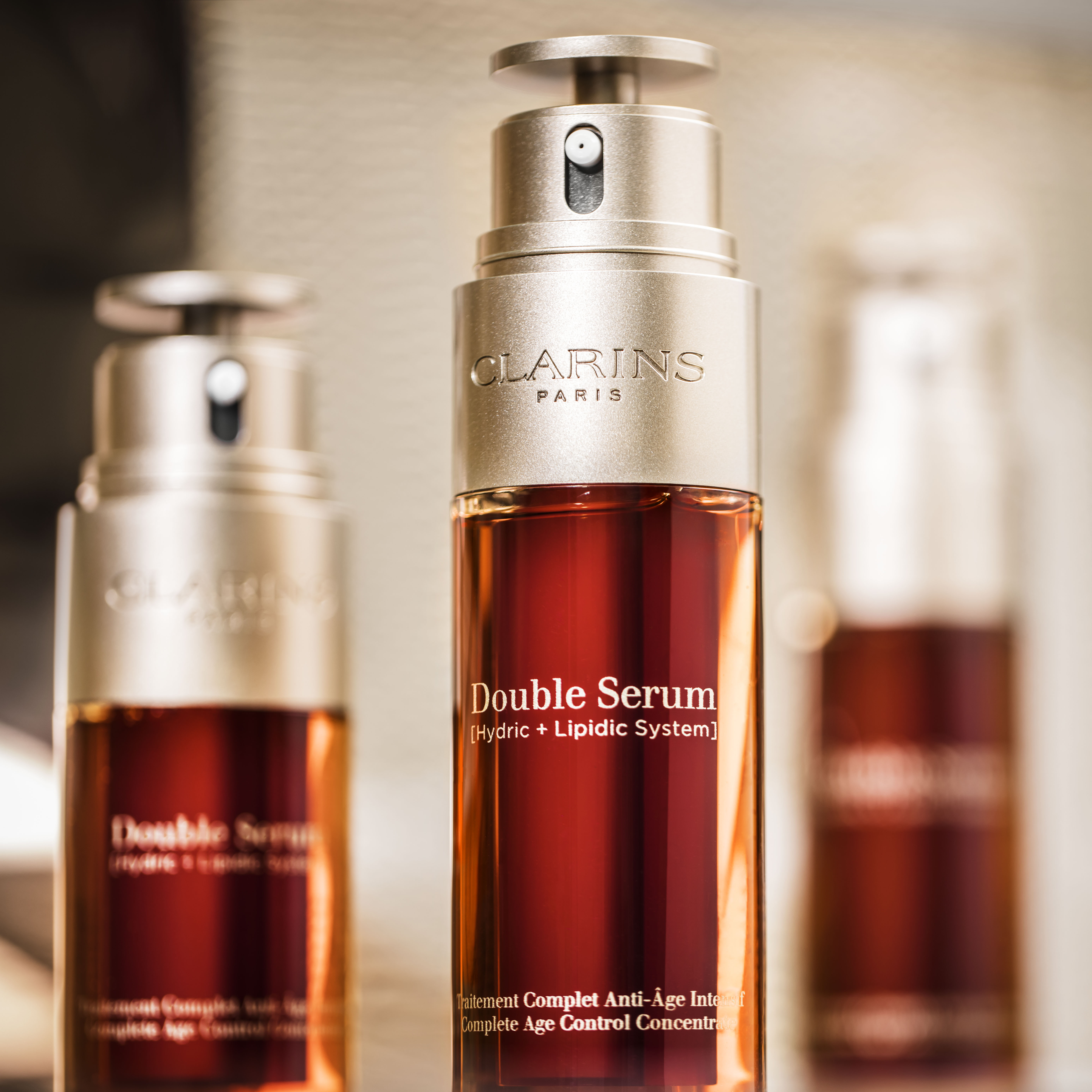 2017_Double_Serum_star_social_networks